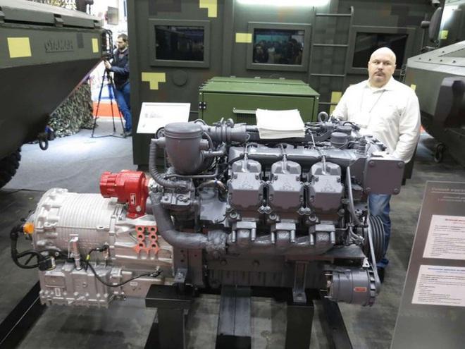 [ẢNH] Rũ bỏ thiết kế truyền thống Liên Xô, Ukraine ra mắt xe bọc thép chuẩn NATO - Ảnh 5.