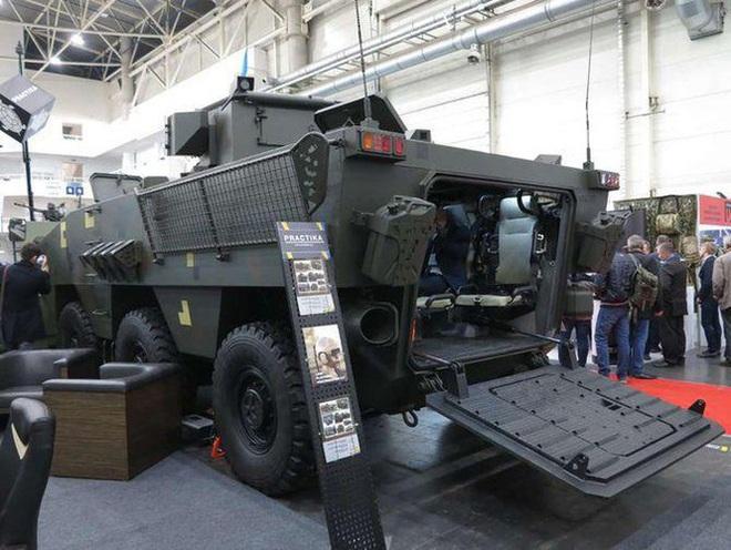 [ẢNH] Rũ bỏ thiết kế truyền thống Liên Xô, Ukraine ra mắt xe bọc thép chuẩn NATO - Ảnh 8.