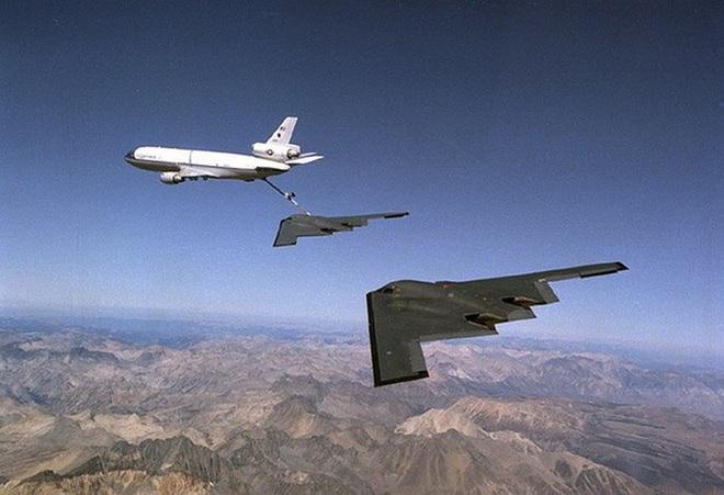 Bất ngờ lớn khi oanh tạc cơ tàng hình B-21 Raider có khả năng không chiến như tiêm kích - Ảnh 13.