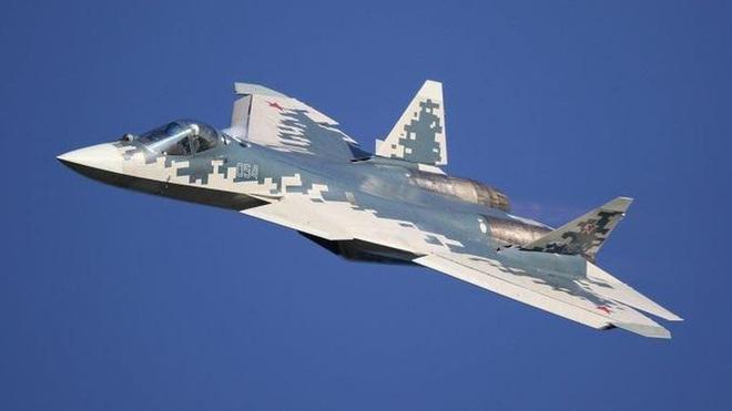 Khó khăn tài chính khiến Nga chưa thể sản xuất hàng loạt tiêm kích Su-57 - Ảnh 2.