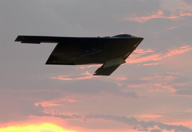 Bất ngờ lớn khi oanh tạc cơ tàng hình B-21 Raider có khả năng không chiến như tiêm kích - Ảnh 8.