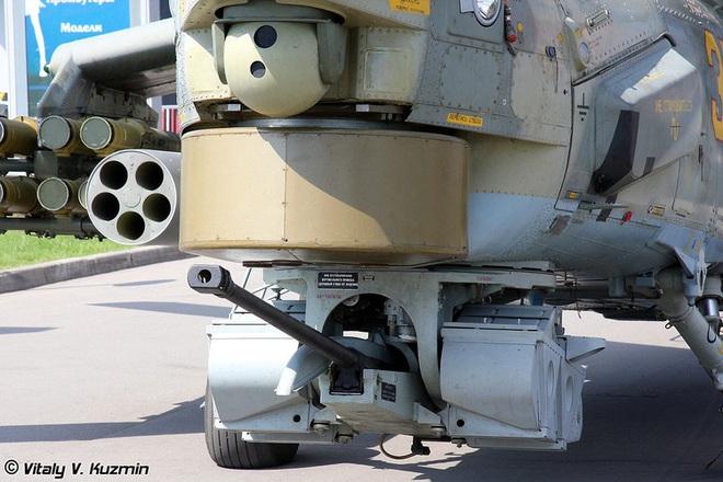 Khẩu pháo 30mm trên Mi-28 xé nát xe bọc thép phiến quân Syria - Ảnh 12.