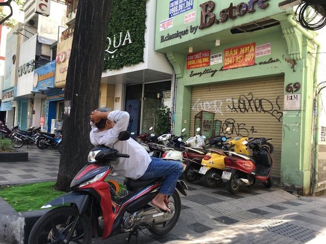 Mặt bằng tiền tỷ bỏ hoang ở Sài Gòn vì dịch Covid-19 - Ảnh 6.