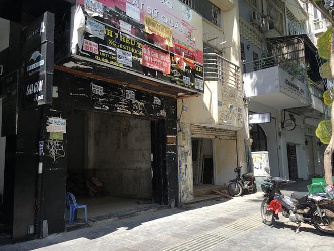 Mặt bằng tiền tỷ bỏ hoang ở Sài Gòn vì dịch Covid-19 - Ảnh 10.