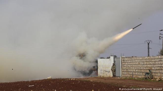 """Chiến sự Syria: Chảo lửa Idlib có thể bùng cháy bất cứ lúc nào - """"Gấu Nga"""" đã nổi giận? - Ảnh 1."""
