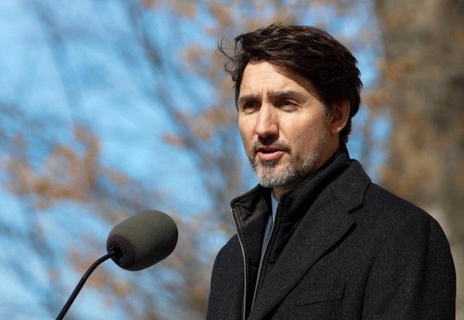 Thủ tướng Canada chỉ huy cuộc chiến chống Covid-19 ngay tại nhà - Ảnh 2.