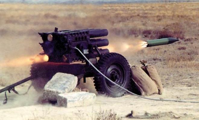 [ẢNH] Phiến quân ngụy trang trận địa pháo phóng loạt siêu dị khiến lính Mỹ không kịp trở tay - Ảnh 14.