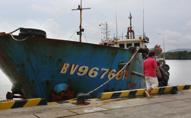 Bắt giam thuyền trưởng tàu Kim Minh 68 vì buôn lậu gần 93.000 lít dầu trên biển
