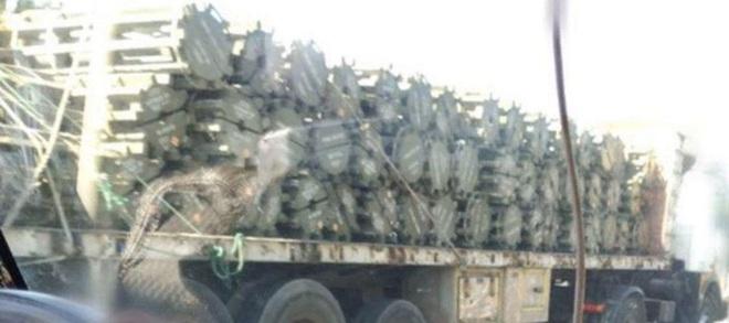 2 ngày trước khi hàng nóng ùn ùn cập cảng Syria: Idlib đếm ngược giờ bùng cháy? - Ảnh 2.