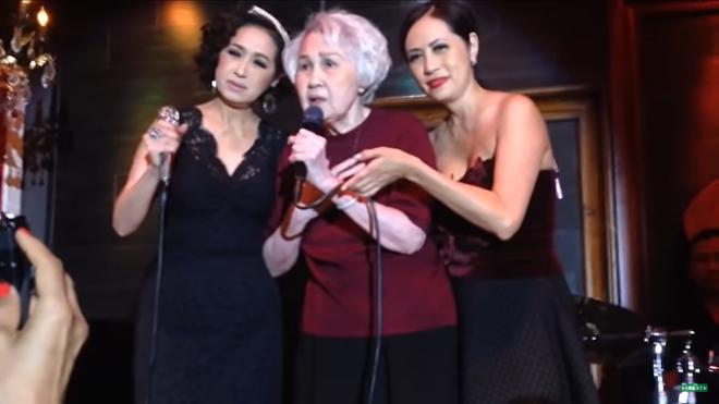Xúc động giây phút danh ca Thái Thanh 80 tuổi, mắc bệnh nặng vẫn đứng hát lần cuối cùng con gái Ý Lan - Ảnh 6.