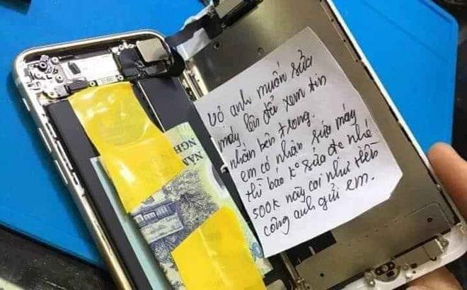 Sợ vợ đọc được tin nhắn trong điện thoại, chồng nhét tiền và mẩu giấy đặc biệt cho thợ sửa máy