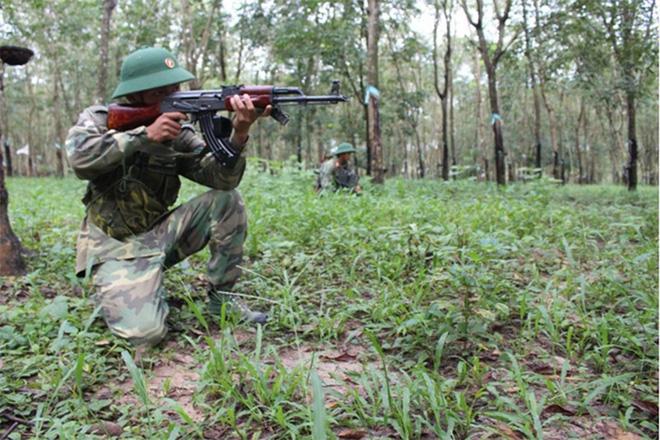 Chiến trường K: Quân tình nguyện Việt Nam chiến đấu với dơi quỷ và những bóng ma Khmer Đỏ - Ảnh 2.