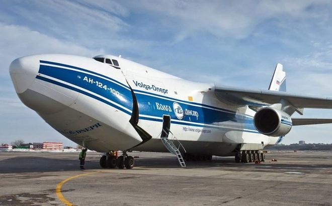 [ẢNH] Chương trình nâng cấp siêu vận tải cơ An-124 của Nga gặp khó - Ảnh 7.