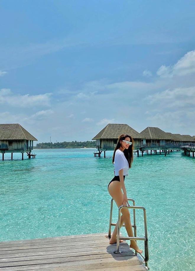 Hồ Ngọc Hà mặc bikini nóng bỏng tại Maldives: Xin được gầy để khỏi hấp dẫn ai - Ảnh 2.