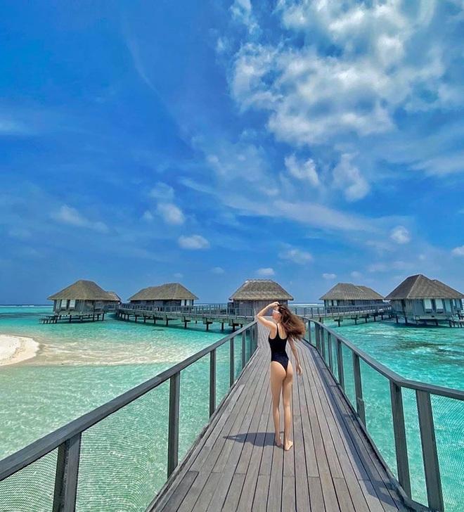 Hồ Ngọc Hà mặc bikini nóng bỏng tại Maldives: Xin được gầy để khỏi hấp dẫn ai - Ảnh 3.