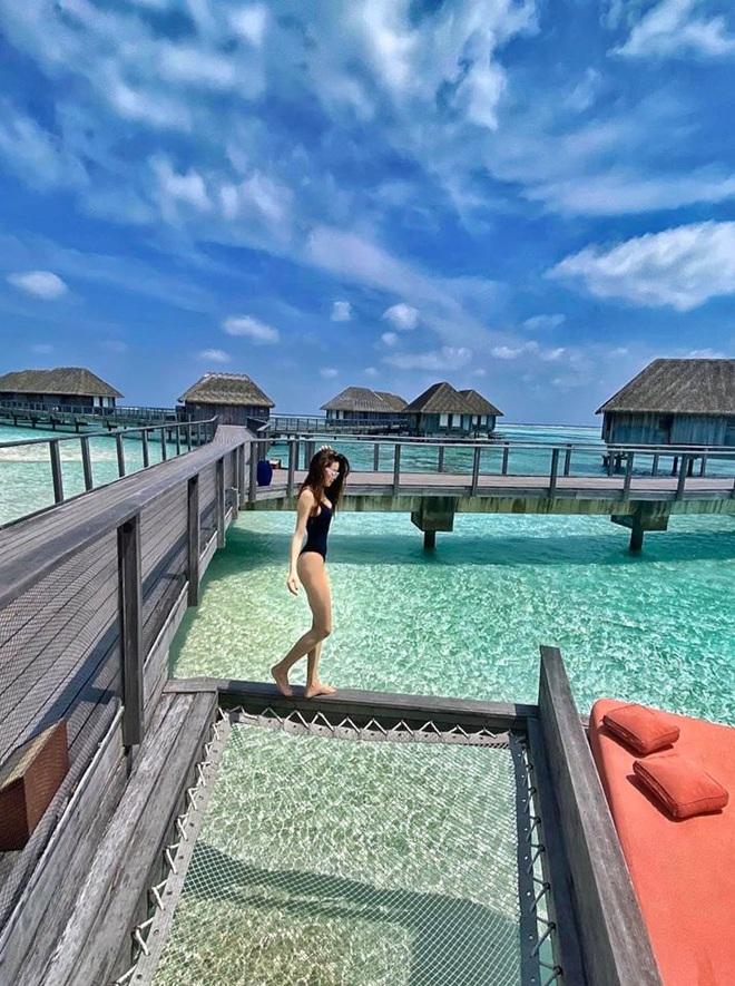 Hồ Ngọc Hà mặc bikini nóng bỏng tại Maldives: Xin được gầy để khỏi hấp dẫn ai - Ảnh 4.