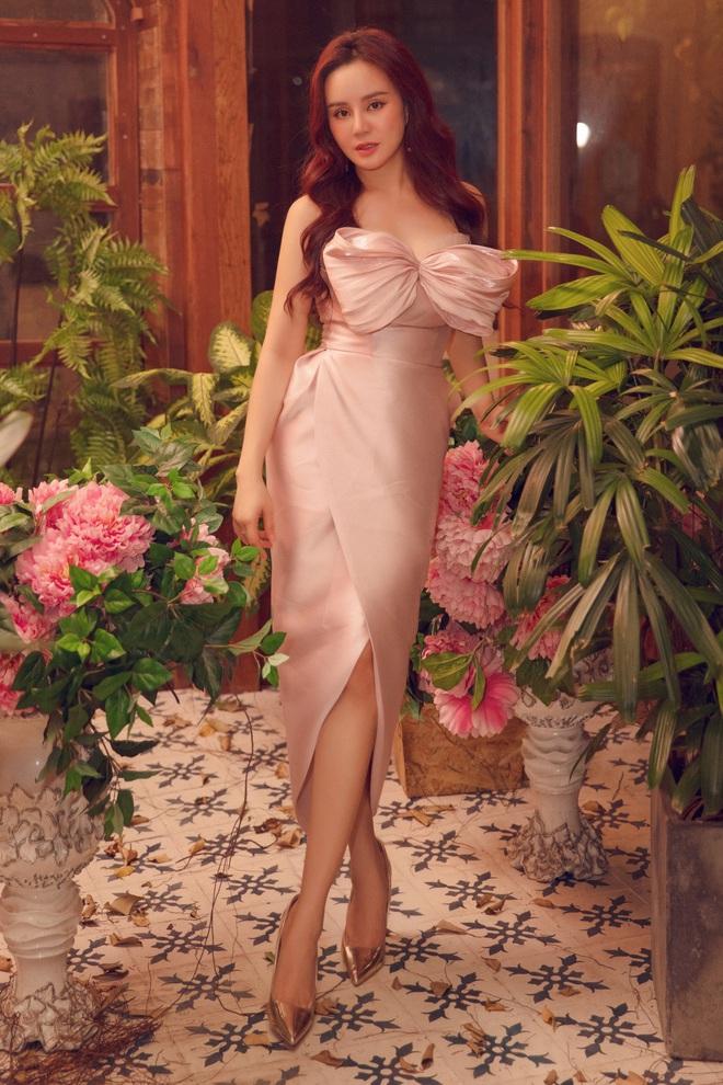 Vy Oanh khoe vai trần quyến rũ, tiết lộ lý do ít đi hát - Ảnh 12.