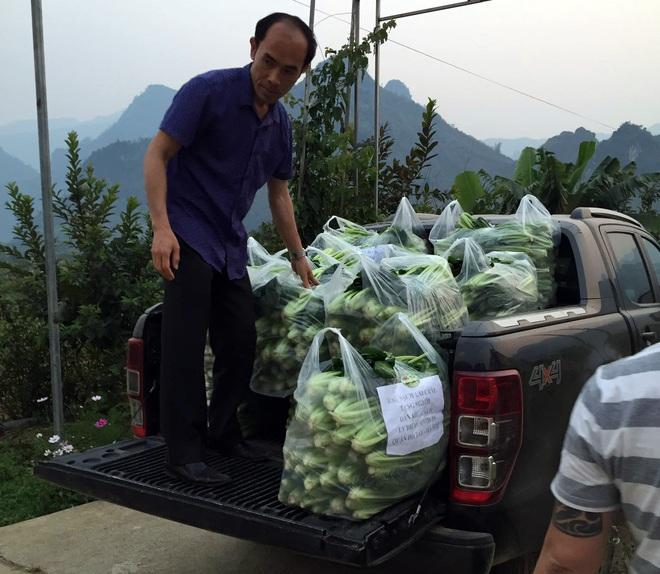 Chủ doanh nghiệp ở Lai Châu gửi hàng tấn rau ủng hộ người dân khu cách ly dịch Covid-19 ở Hà Nội - Ảnh 5.