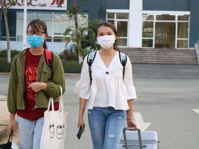 Sinh viên rời Ký túc xá ĐH Quốc gia TP HCM, nhường chỗ cách ly Covid-19 - Ảnh 2.
