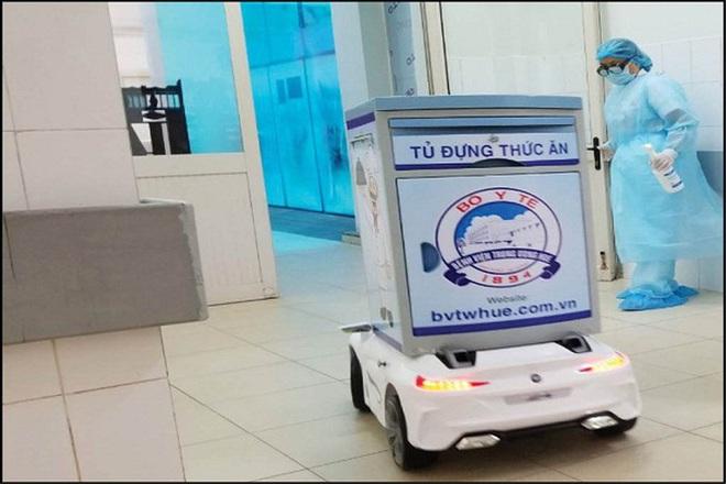 """""""Robot khử khuẩn phòng cách ly"""" sắp được đưa vào thử nghiệm tại Bệnh viện dã chiến Củ Chi - Ảnh 1."""