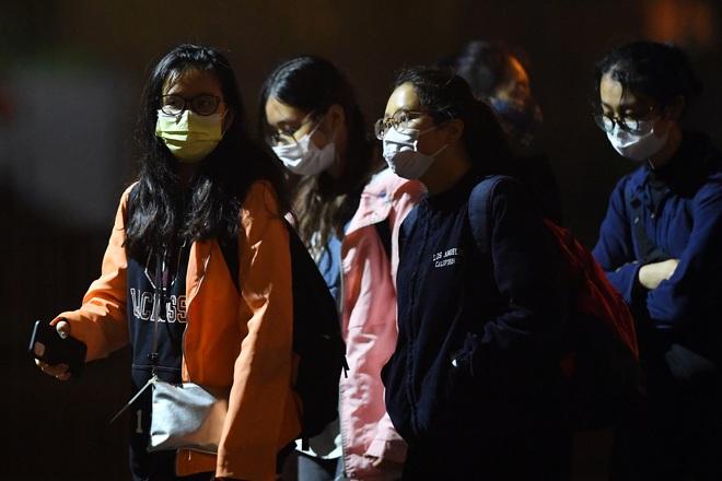 [ẢNH] Cách ly 14 ngày với gần 100 du học sinh bay từ Mỹ về nước tại Khu nhà ở sinh viên Tứ Hiệp - Ảnh 12.