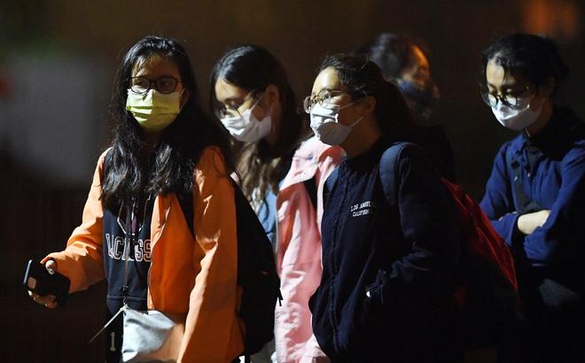 [ẢNH] Cách ly 14 ngày với gần 100 du học sinh bay từ Mỹ về nước tại Khu nhà ở sinh viên Tứ Hiệp