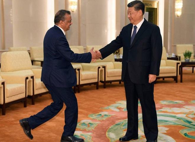 [ẢNH] WHO bị chỉ trích vì cả tin Trung Quốc trong đại dịch Covid-19 - Ảnh 3.