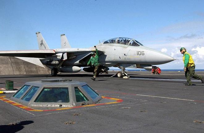 [ẢNH] Mèo đực F-14 Tomcat trên tàu sân bay Mỹ, uy lực và huyền thoại - ảnh 2