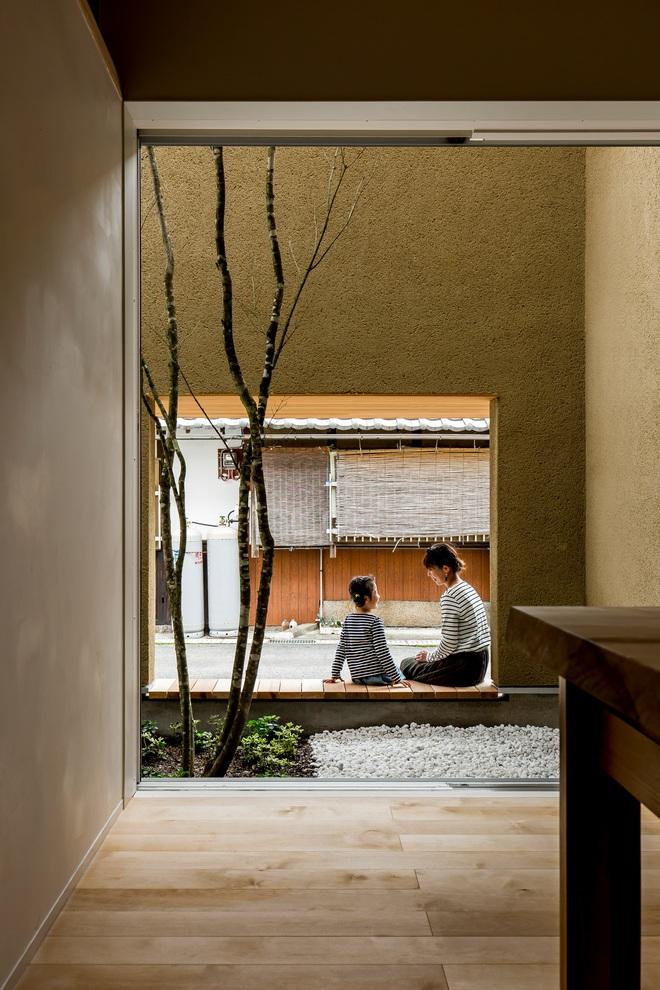 Ngôi nhà bình yên đến nao lòng với khoảng sân vườn thiết kế nghệ thuật đẹp như tranh vẽ ở Nhật - Ảnh 4.