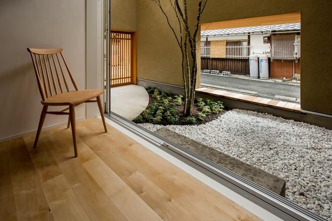 Ngôi nhà bình yên đến nao lòng với khoảng sân vườn thiết kế nghệ thuật đẹp như tranh vẽ ở Nhật - Ảnh 5.