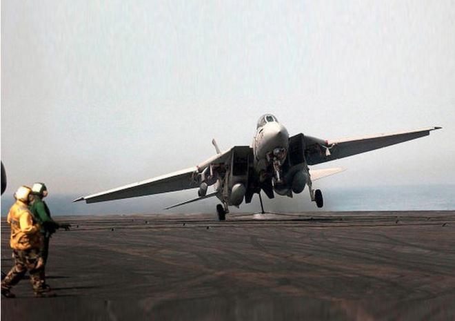 [ẢNH] Mèo đực F-14 Tomcat trên tàu sân bay Mỹ, uy lực và huyền thoại - ảnh 9