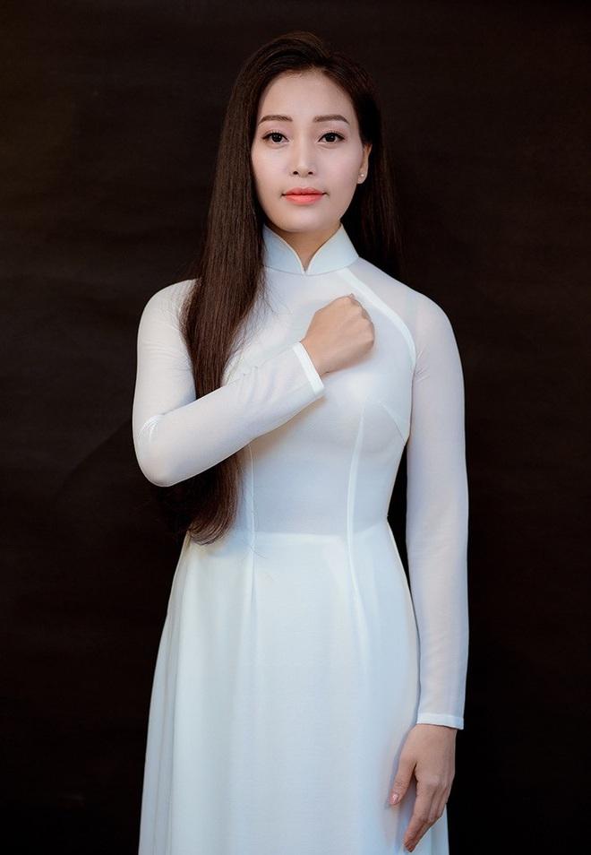 Huyền Trang Sao Mai ra MV ngợi ca các y bác sỹ chống dịch Covid-19 - Ảnh 1.