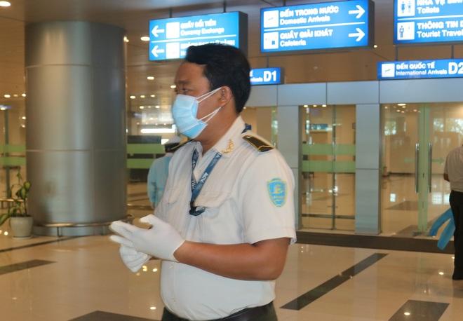 Cần Thơ đón 4 chuyến bay quốc tế, cách ly 762 hàng khách - Ảnh 1.