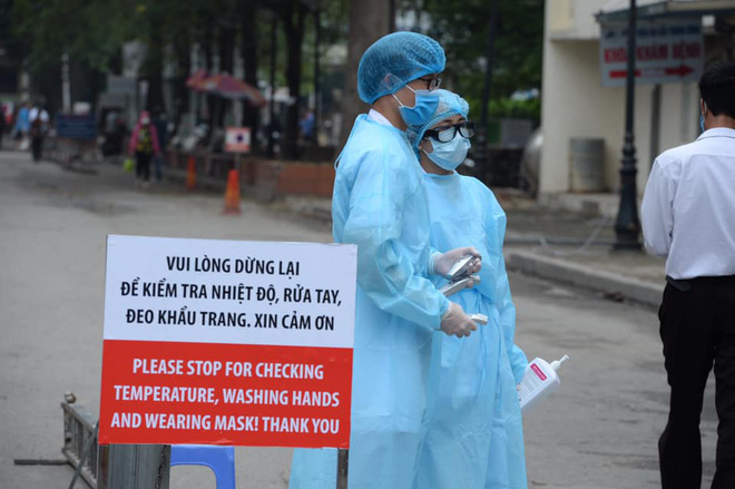 """[Dịch Covid-19 ngày 23/3]: Thêm 2 ca bệnh là người Việt từ Campuchia về; Phó Thủ tướng Vũ Đức Đam: """"Tình huống xấu nhất, chúng tôi dự tính tới 30.000 trường hợp bị nhiễm - Ảnh 3."""