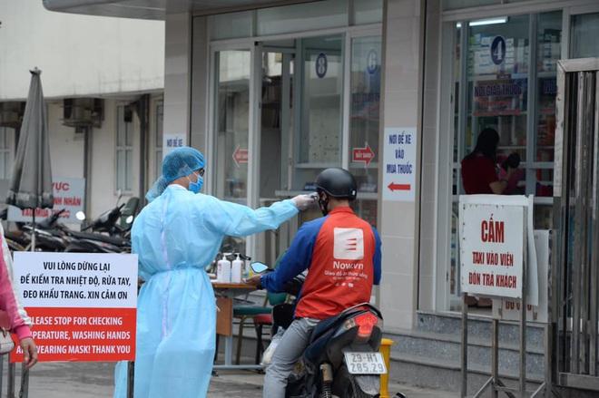 """[Dịch Covid-19 ngày 23/3]: Thêm 2 ca bệnh là người Việt từ Campuchia về; Phó Thủ tướng Vũ Đức Đam: """"Tình huống xấu nhất, chúng tôi dự tính tới 30.000 trường hợp bị nhiễm - Ảnh 4."""