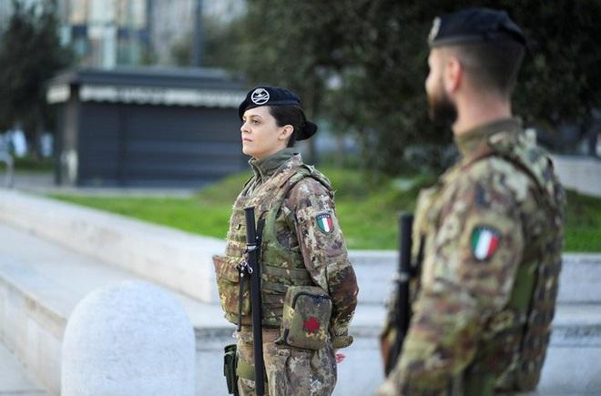 Covid-19: Tiết lộ bất ngờ từ chuyên gia Ý - Ảnh 1.