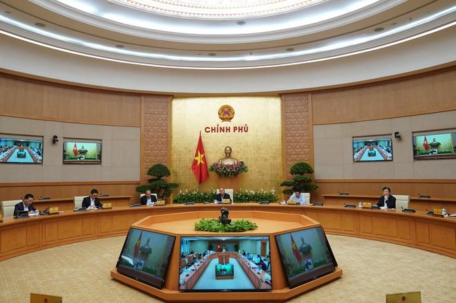 Thủ tướng yêu cầu đóng cửa các dịch vụ không cần thiết - Ảnh 2.