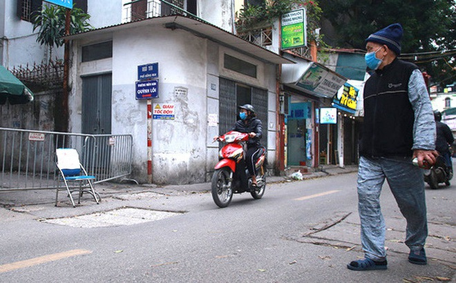 Gỡ bỏ thông tin sai sự thật về dịch Covid-19 tại phố Hồng Mai