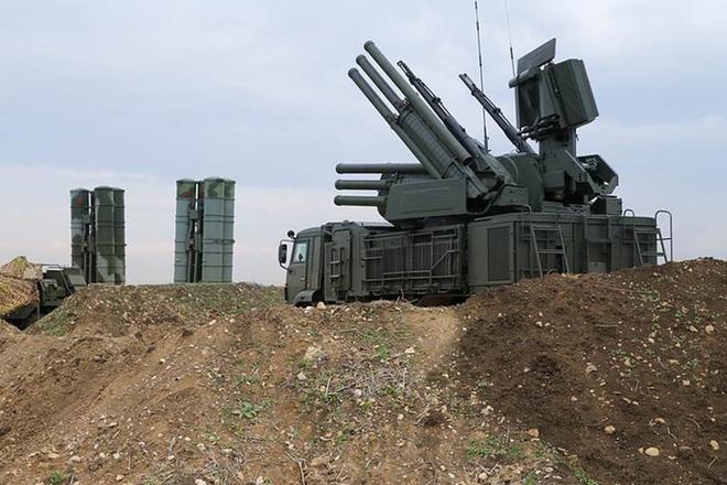 Căn cứ Khmeimim bị tên lửa tập kích, nắm đấm thép của Shoigu đã sẵn sàng ở Syria - Mỹ đưa Patriot áp sát biên giới - Ảnh 2.