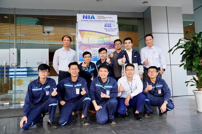 Nhóm kỹ sư sân bay Nội Bài sáng chế buồng khử khuẩn trong 3 ngày - Ảnh 2.