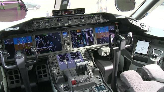 Boeing 787 Dreamliner đưa kiều bào VN về nước giữa dịch Covid-19 hiện đại như thế nào? - Ảnh 6.