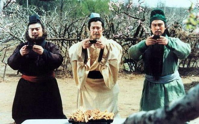 Ẩn ý đằng sau hành động uống rượu đập bát của cổ nhân Trung Hoa - Ảnh 3.