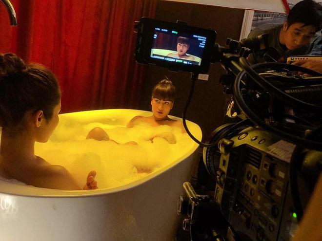 """Chuyện hài hước khi diễn viên nữ phải quay """"cảnh nóng"""" trong mùa dịch Covid-19 - Ảnh 6."""