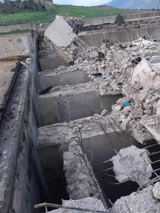 Thời hạn cho tối hậu thư đã hết, Quân đội Syria pháo kích dồn dập Idlib: Phiến quân túng quẫn làm liều - Ảnh 1.
