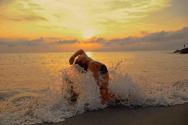 Bộ ảnh tập Yoga vòng quanh thế giới tuyệt đẹp, danh tính của nhân vật chính còn gây bất ngờ hơn - Ảnh 12.
