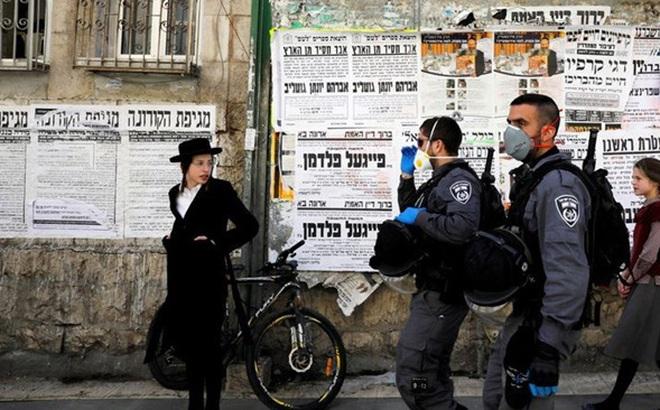 Israel cấm toàn dân di chuyển quá 100m từ cửa nhà