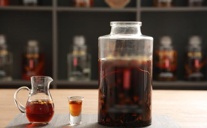 Nguyên tắc để có một bình rượu thuốc tốt, cách sử dụng và nhóm người không nên uống
