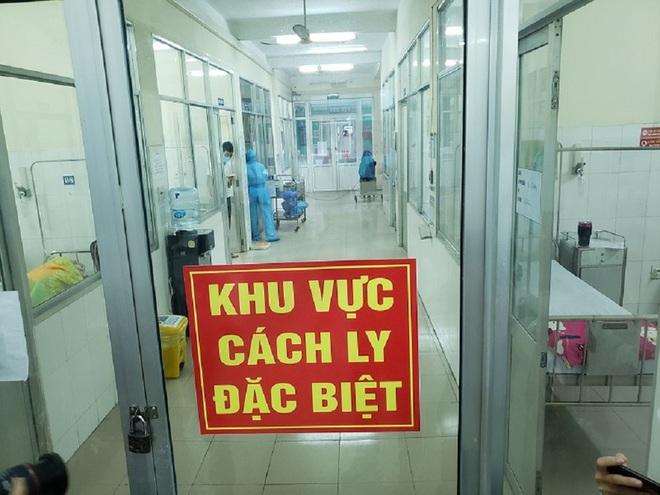 Dịch Covid-19 ngày 25/3: Việt Nam ghi nhận 141 ca, 1 bác sỹ trẻ BV Nhiệt đới TW; Hà Nội dừng tất cả quán cà phê, phòng gym, nhà hàng... đến 5/4 - Ảnh 1.