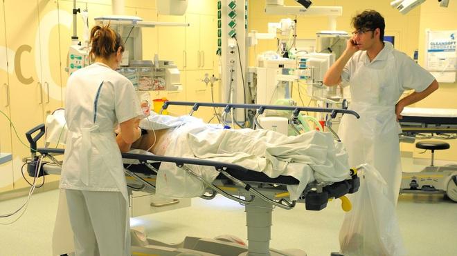 Đều sở hữu hệ thống y tế hàng đầu thế giới, vì sao Đức có tỷ lệ tử vong thấp hơn Italy hàng chục lần trong dịch Covid-19? - Ảnh 3.