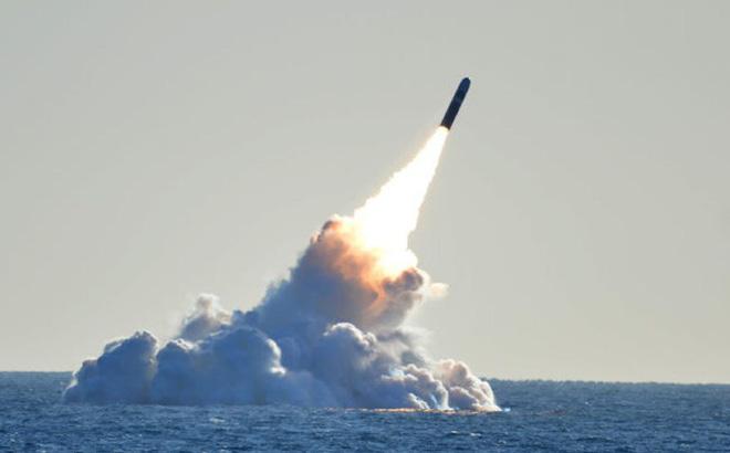 Nga phóng tên lửa tối tân từ tàu ngầm